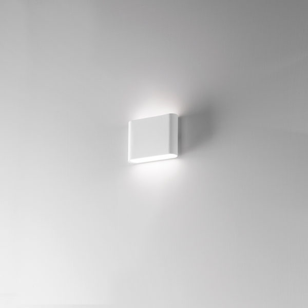 Applique LED bianco con finitura sabbiata