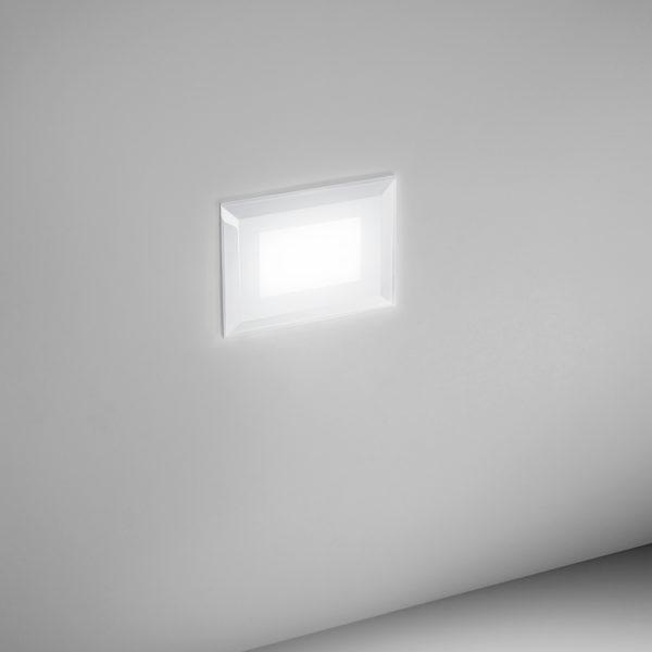 Segnapasso LED bianco con finitura sabbiata bianco con finitura sabbiata