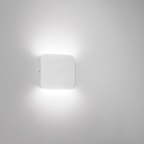White sandblasted LED wall lamps