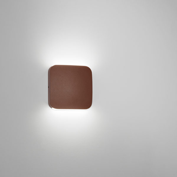 Applique a LED corten con finitura sabbiata