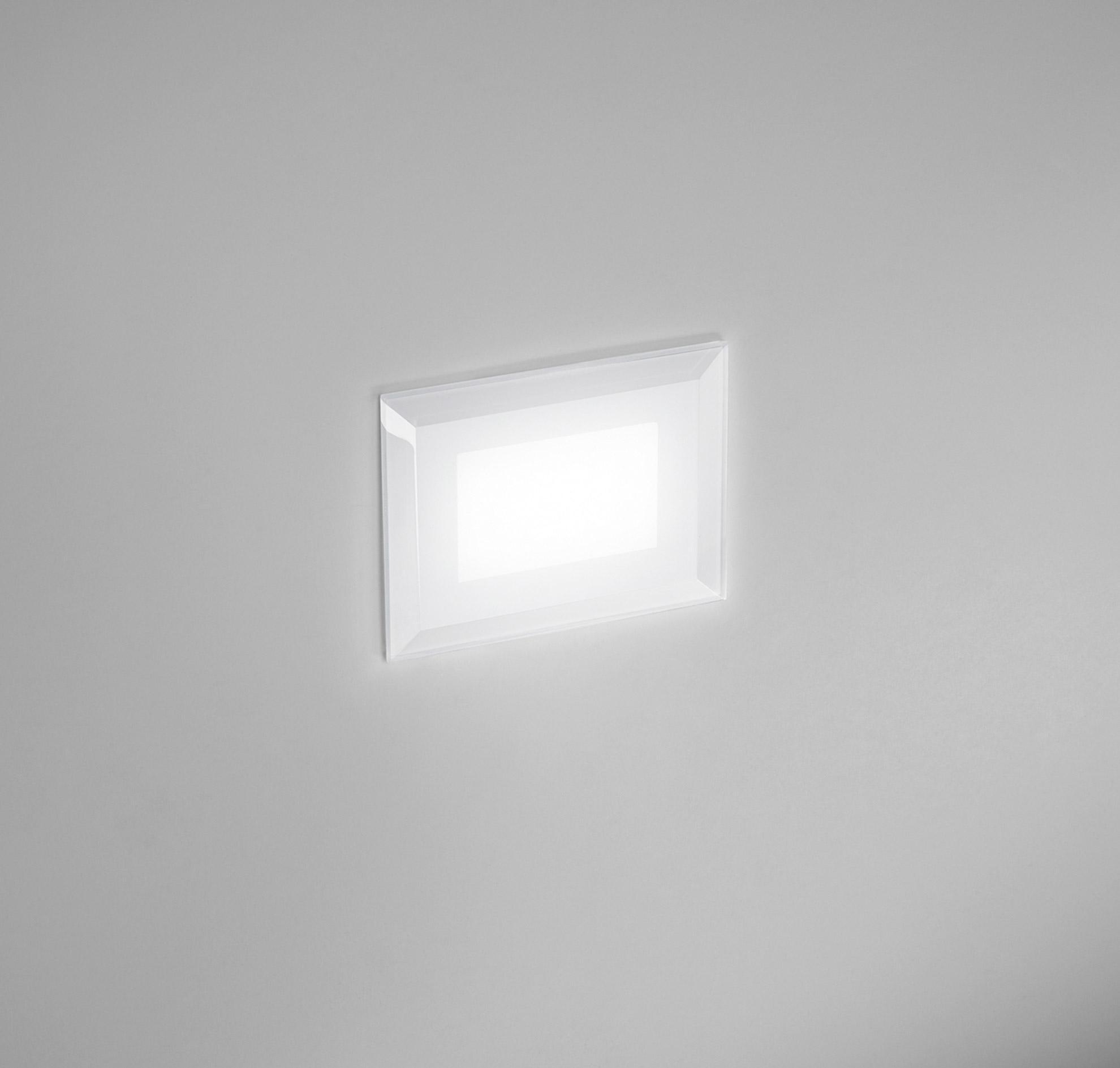 Lampade segnapasso