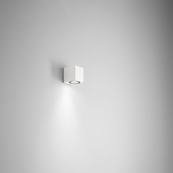 Lampada da parete in alluminio bianca Capri