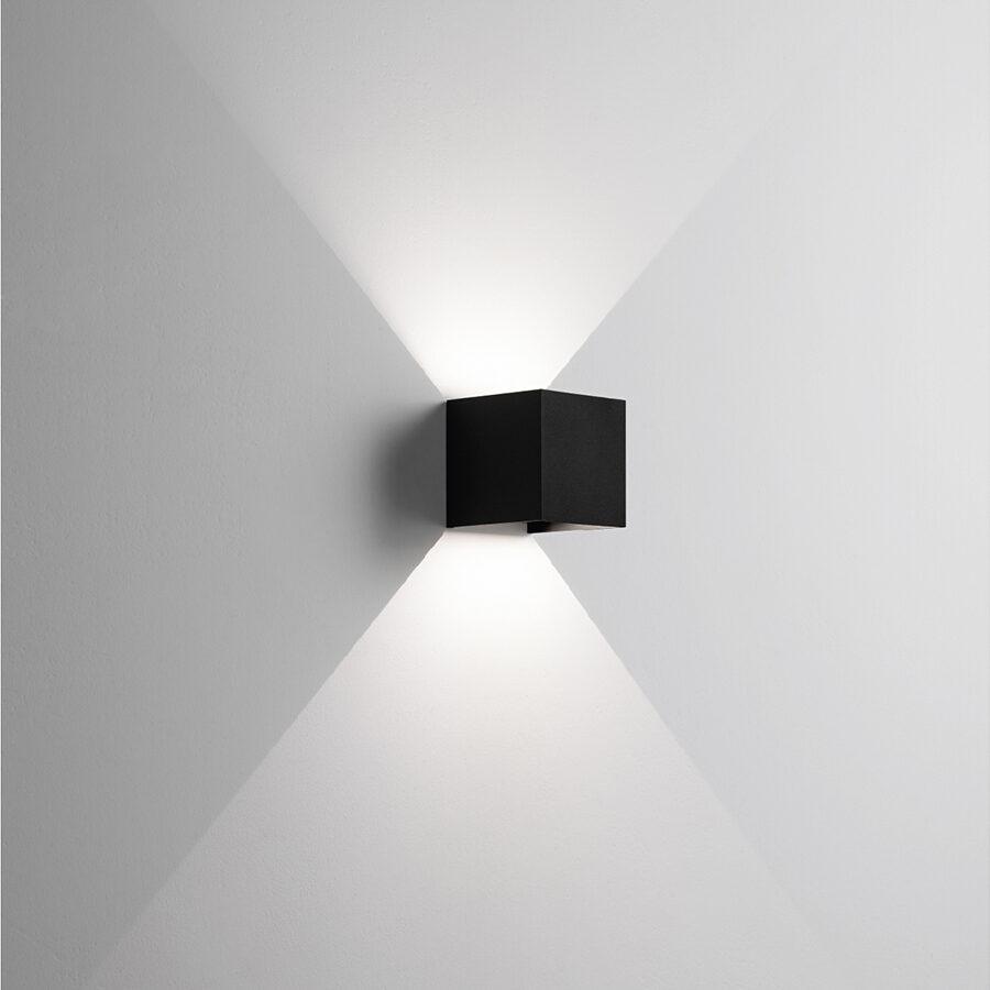 Applique in alluminio Cubo a LED Nero